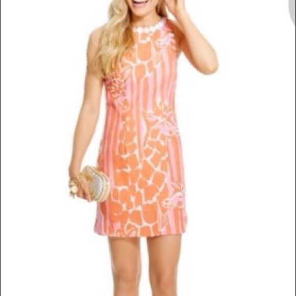 47ed648e40d Lilly Pulitzer Dresses   Skirts - Lilly Pulitzer Giraffe Print Shift Dress